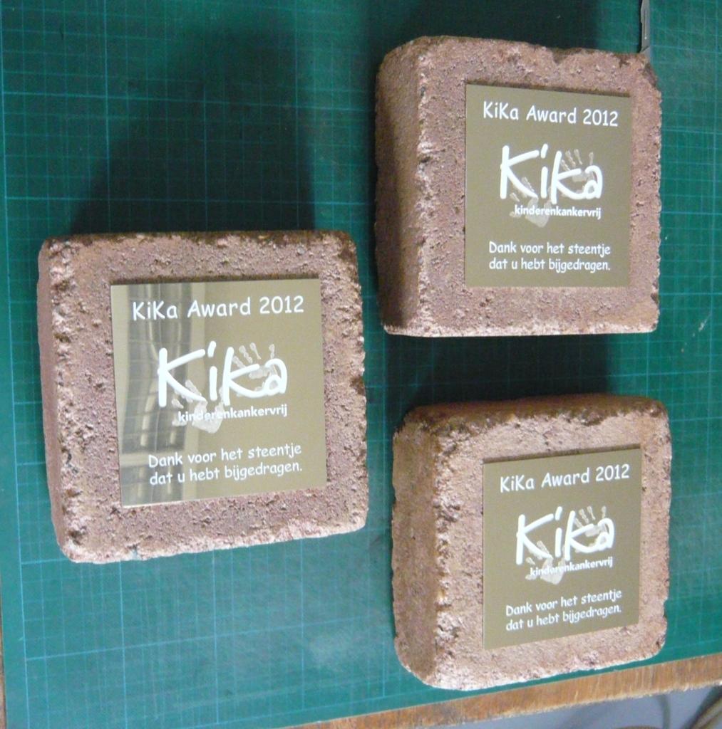 Award steen presse papier laten maken