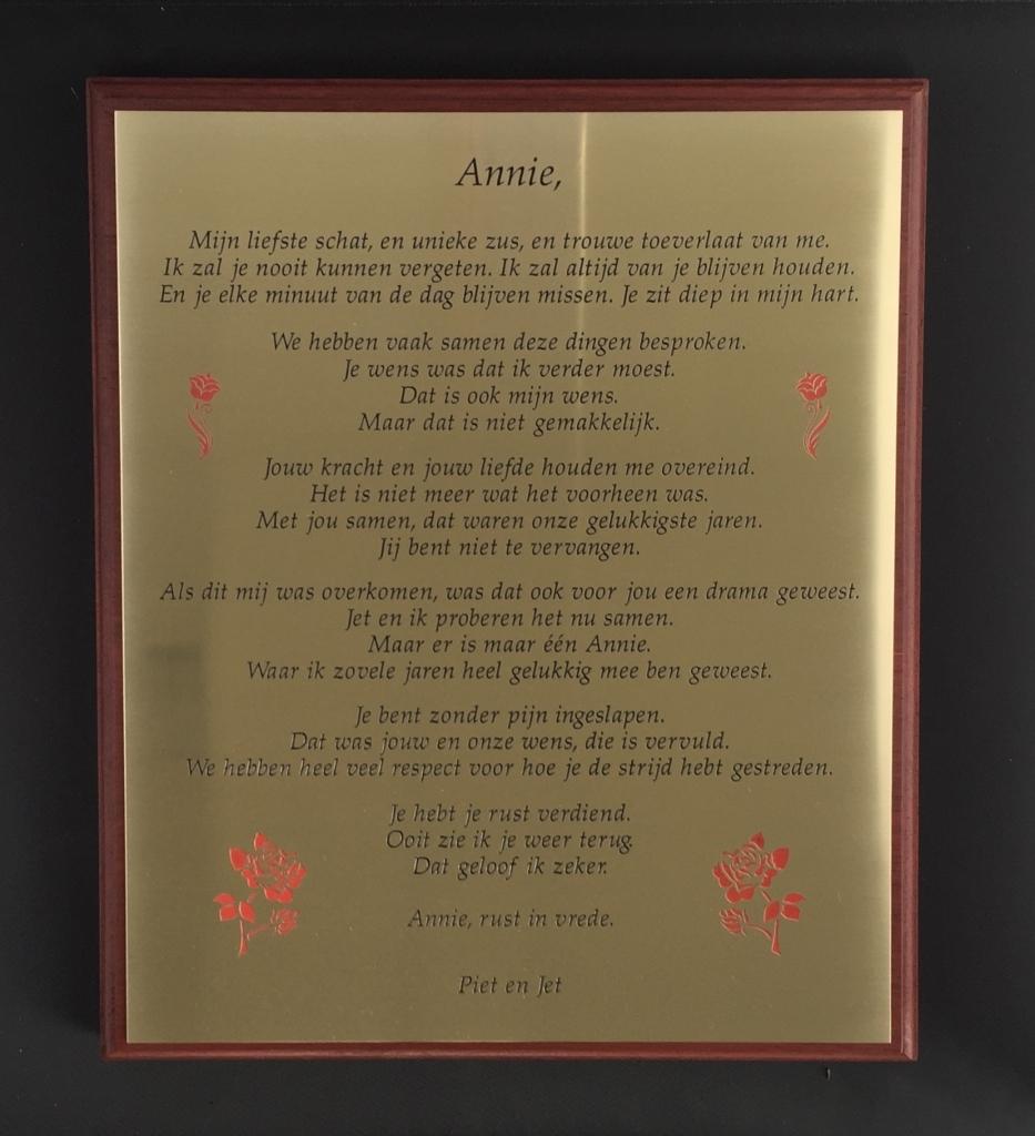 gedenkplaat met gedicht