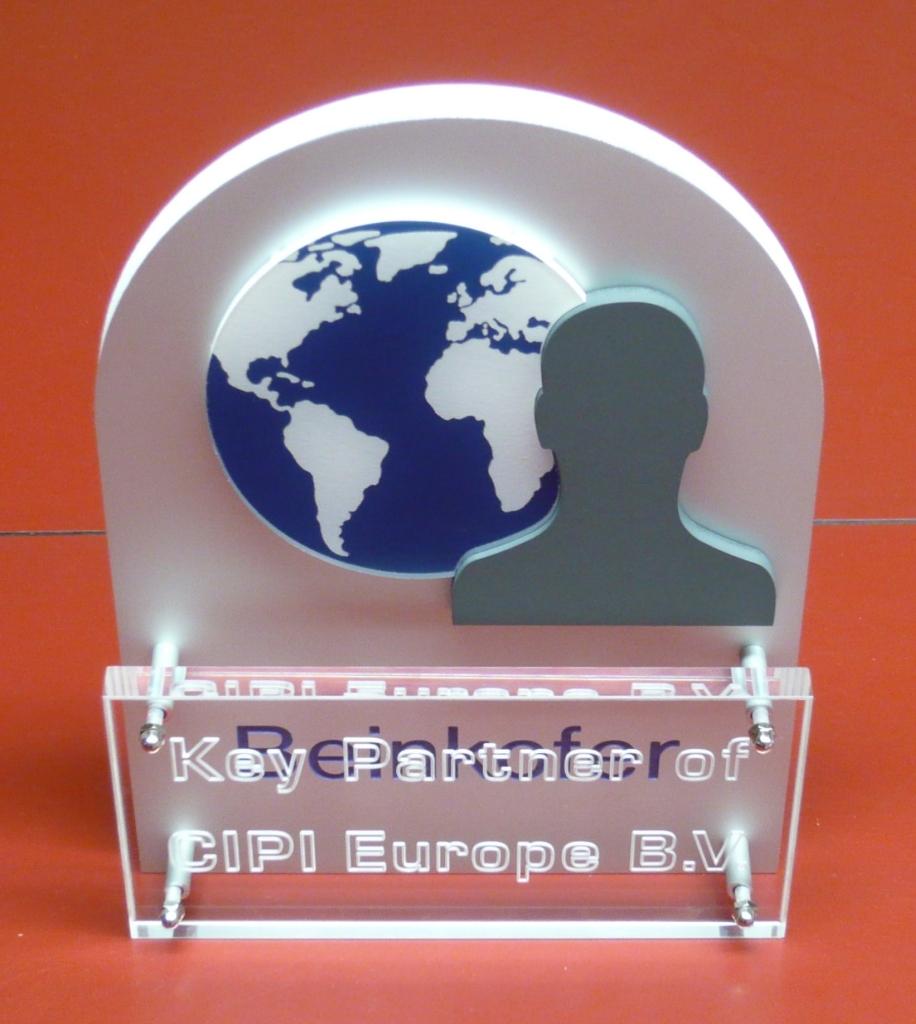 Plaquette award laten maken aluminium en acrylaat Cipi