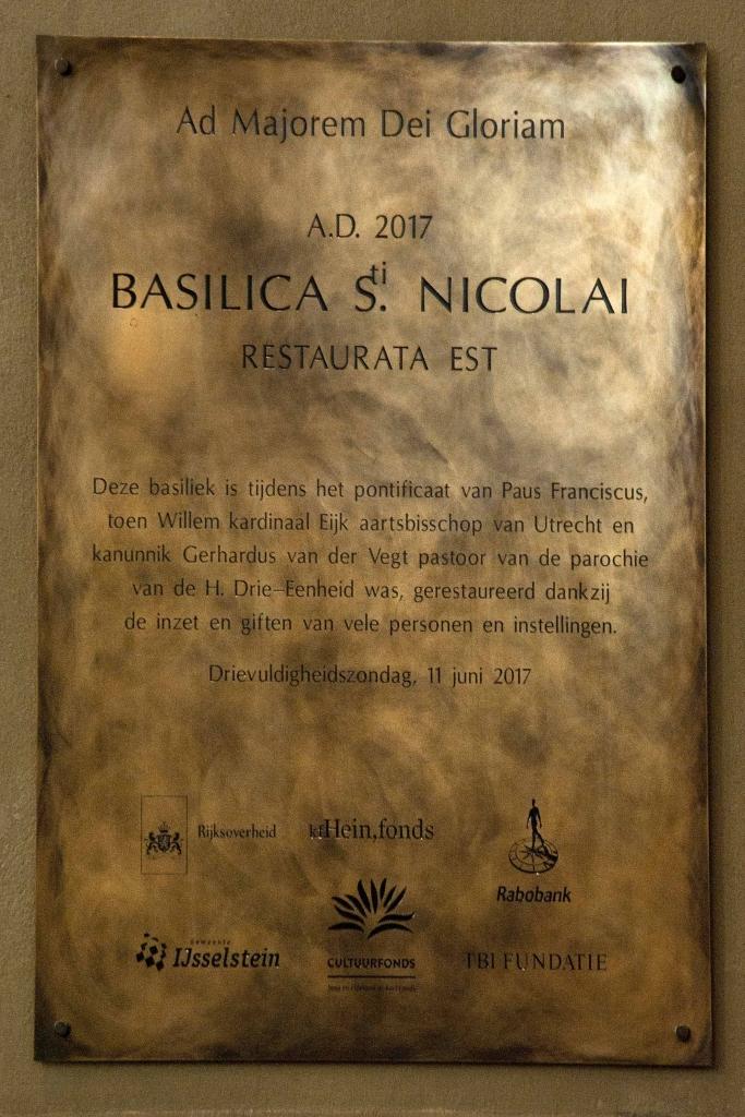Plaquette laten maken restauratie Basiliek IJsselstein